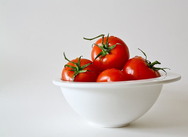 トマトを食べると眠くなる