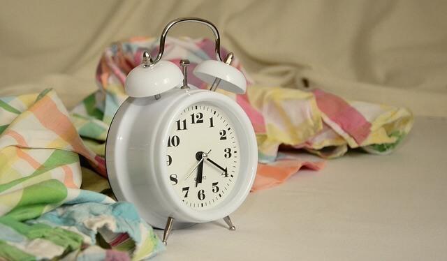 思春期の子どもは朝寝坊しちゃうのも仕方がない