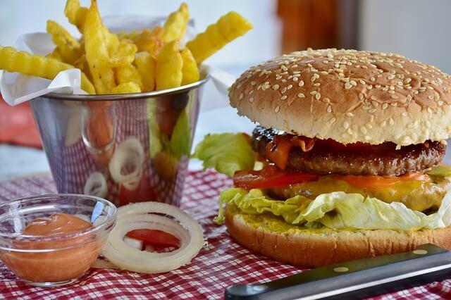 マクドナルドのポテトは体に悪い!心臓病発症リスクを増大させる可能性がある。