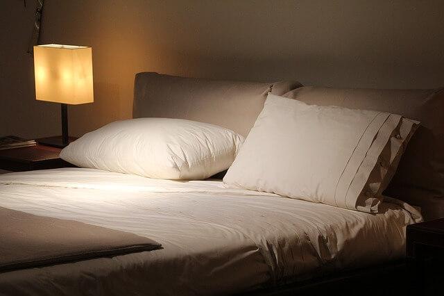寝室を暗くする、寝室を涼しくする